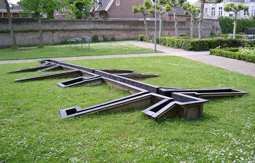 KAPKAR / TAR-3-9 | Alley Structure
