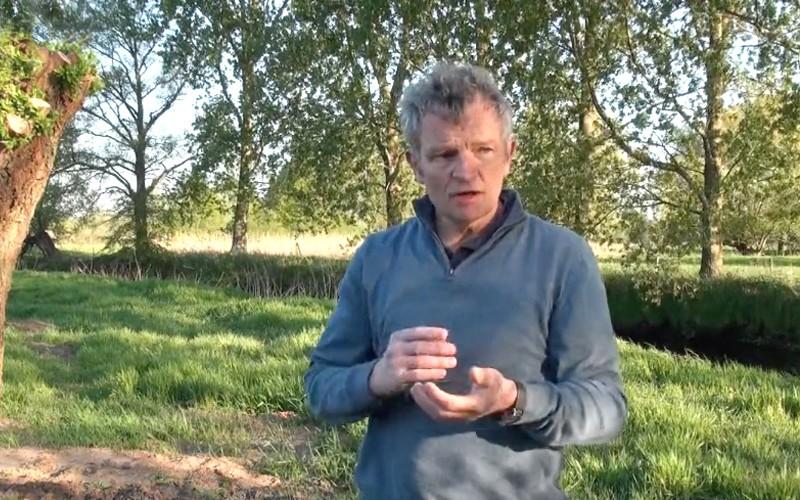 Floris Alkemade spreekt over zijn boek 'De toekomst van Nederland' aan De Dommel | Omroep Brabant