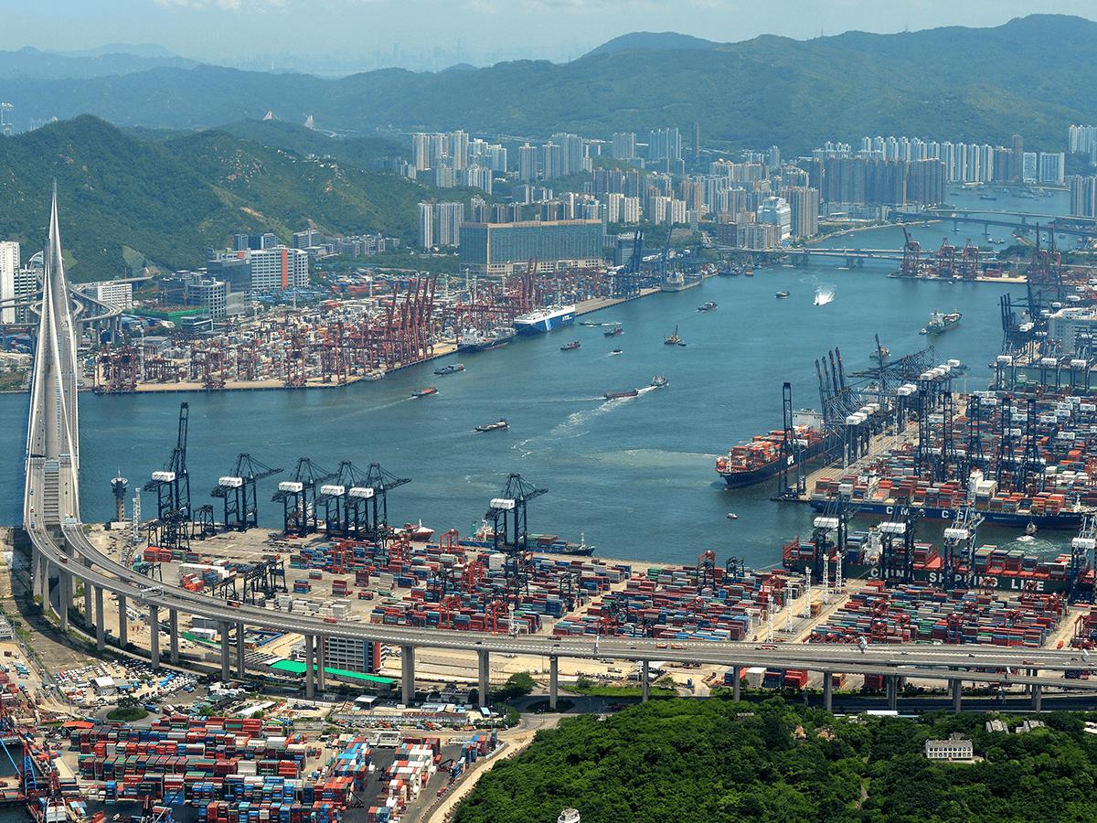 Port_of_Hong_Kong_Photo S 0524. Wikipedia